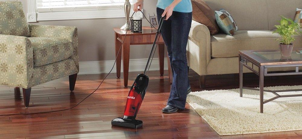 Eureka 169J 2-in-1 Quick-Up Bagless Stick Vacuum Review