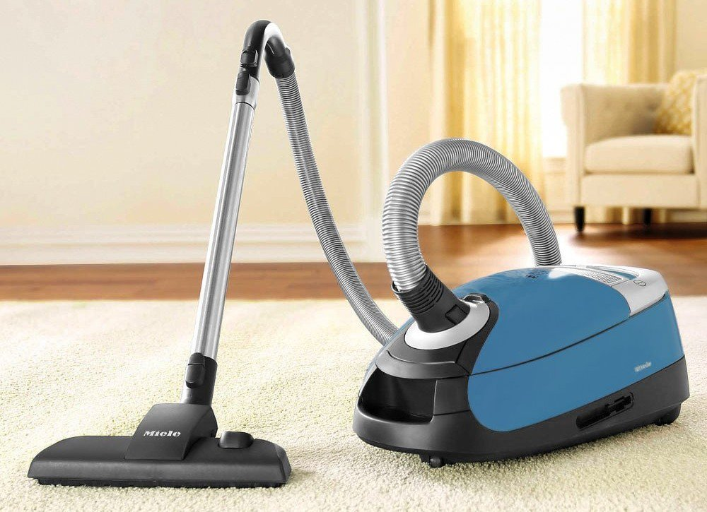 Miele Complete C2 Hard Floor Canister Vacuum With Rug & Floor Tool Review