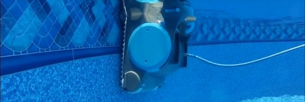Swivel Cord Robotic Pool Cleaner