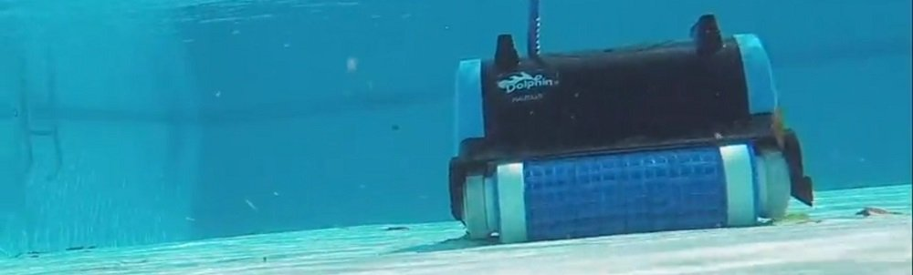 🥇 Best Dolphin Robotic Pool Cleaner Reviews of 2019 (Maytronics Guide)
