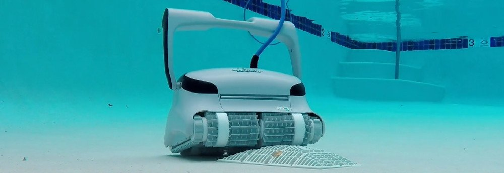 Best Commercial Robotic Pool Cleaners