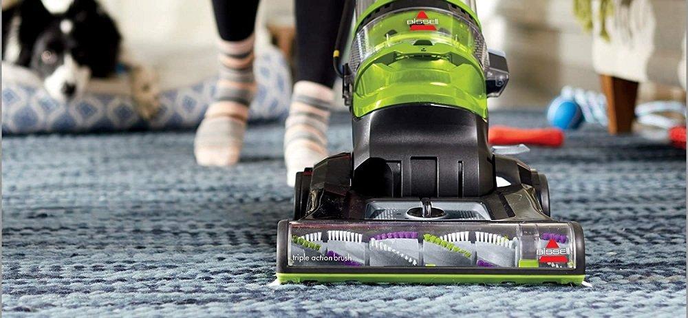 Upright vacuum