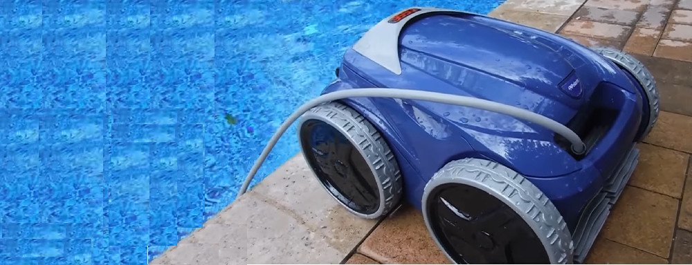 Wheeled Robotic Pool Cleaner