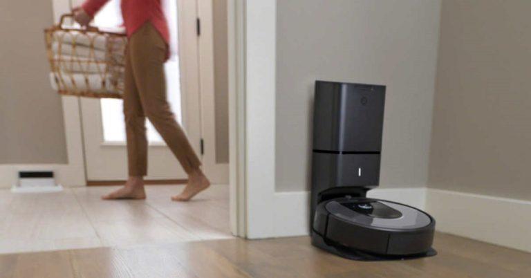 Roomba i8+
