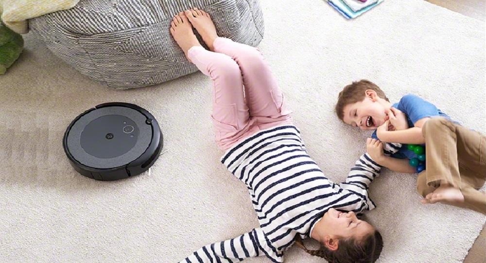iRobot Roomba i3 vs. i4 Robot Vacuums